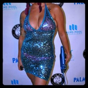 Dresses & Skirts - Blue sequin dress